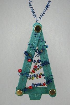 dec hb 2 763988 More Friendly Plastic Ornaments!