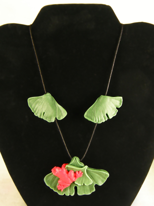 gingko necklace r frog  Always finish the back!