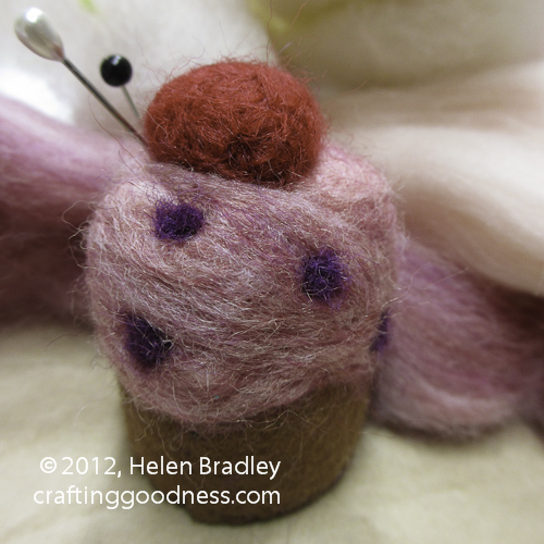 pincushion 14 Yummy Felted Cup Cake Pin Cushion