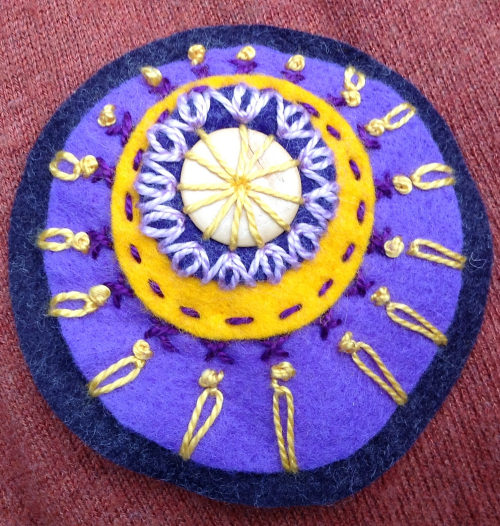 felt circles embroidery stitches 2 Stitching circles in felt #1