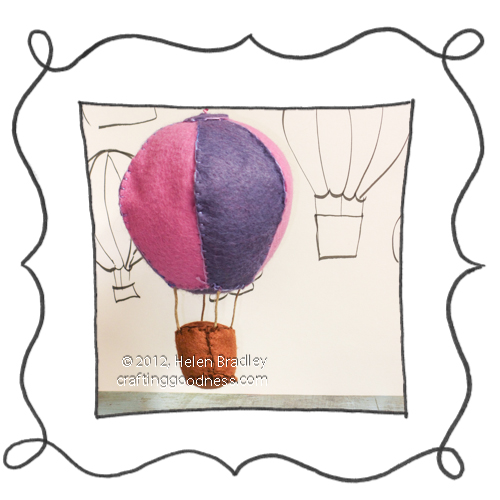 felt balloon 3d opener Up Up and Away   make a cute Felt Balloon